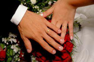 Przyczyną nieważności małżeństwa mogą być braki dotyczące formy kanonicznej, a więc sposobu zawierania małżeństwa.