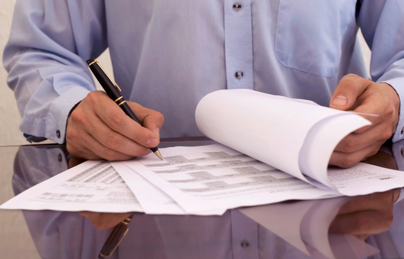 Jak rozliczać najem krótkoterminowy (umowa z pośrednikiem)?